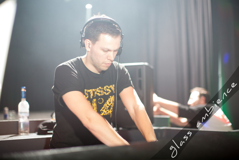 Delta Heavy and Fred V vs. Grafix @ Discovery 2013/05/12